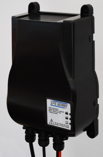 Q-Batteries energiebesparende hoogfrequente lader 24V 25A door S.P.E. Charger CBHD3 zonder batterijp
