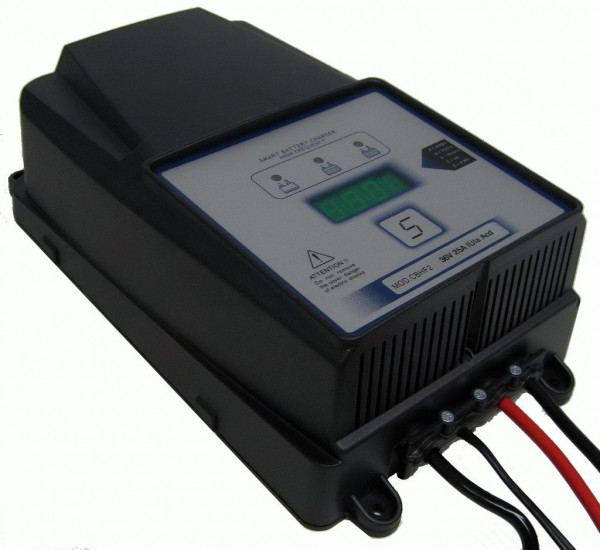 Q-Batteries energiebesparende hoogfrequente lader 24V 40A door S.P.E. Charger CBHF2-XP 12/24V zonder